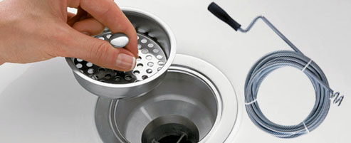 déboucher un tuyau avec un furet